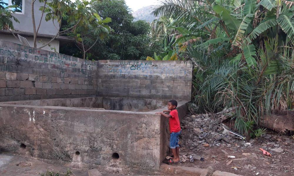 La Piscine d'Acoua à sec, un tarissement de plus en plus inquiétant, oct 2019