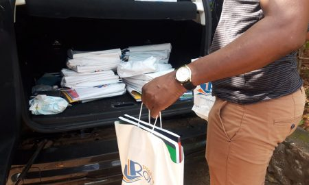 Distribution de colis scolaires Acoua