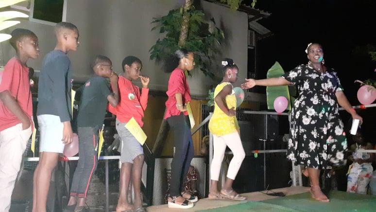 élection mini miss JMK Acoua 31 07 2021